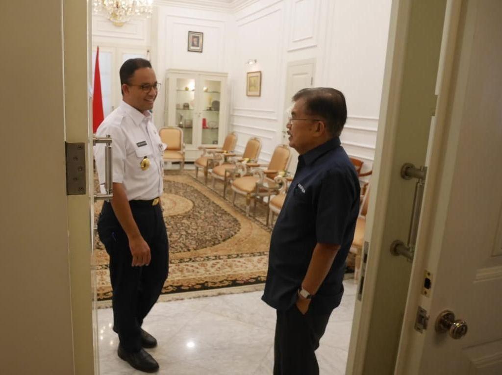 Foto: Anies Ajak JK Lihat Kantornya di Balai Kota