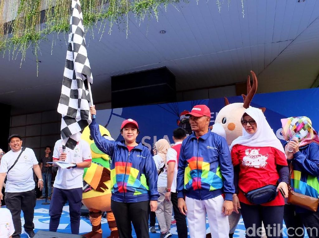 Aksi Jalan Sehat Menko PMK dan Mendikbud Sambut Asian Games 2018