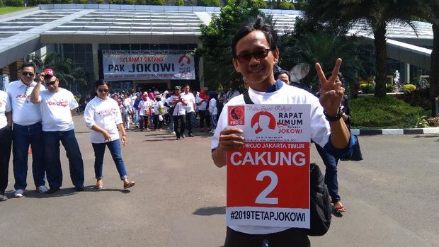#2019TetapJokowi Menjamur di Rapat Umum Relawan Jokowi