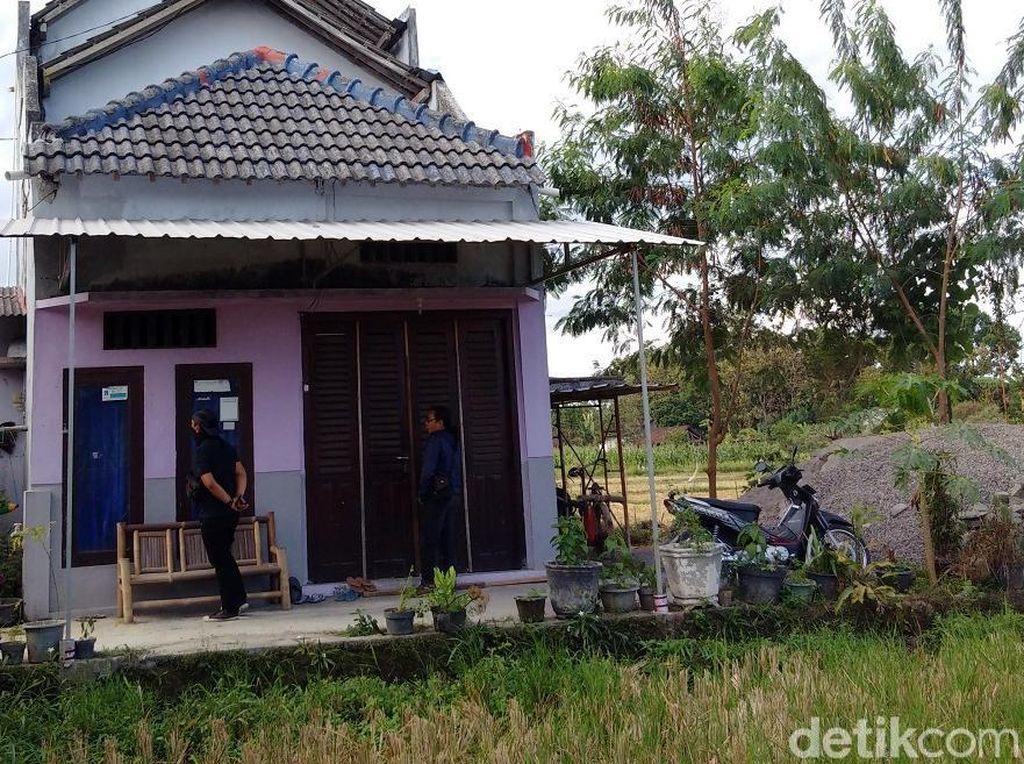 Penghuni Rumah yang Digeledah Densus di Sleman Dikenal Tertutup
