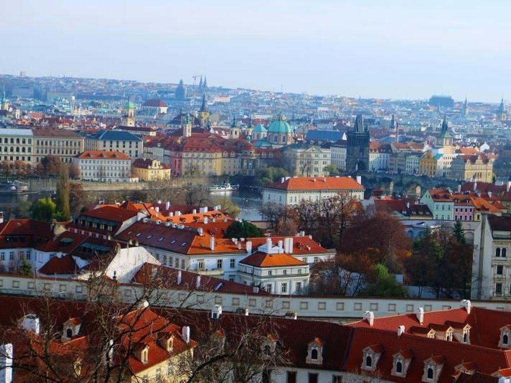 Menyusuri Indahnya Kota Klasik Praha