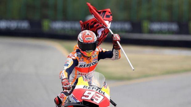 Marc Marquez hanya finis di posisi ketiga namun jarak antara dirinya dengan Valentino Rossi di posisi kedua melebar jadi 49 poin.