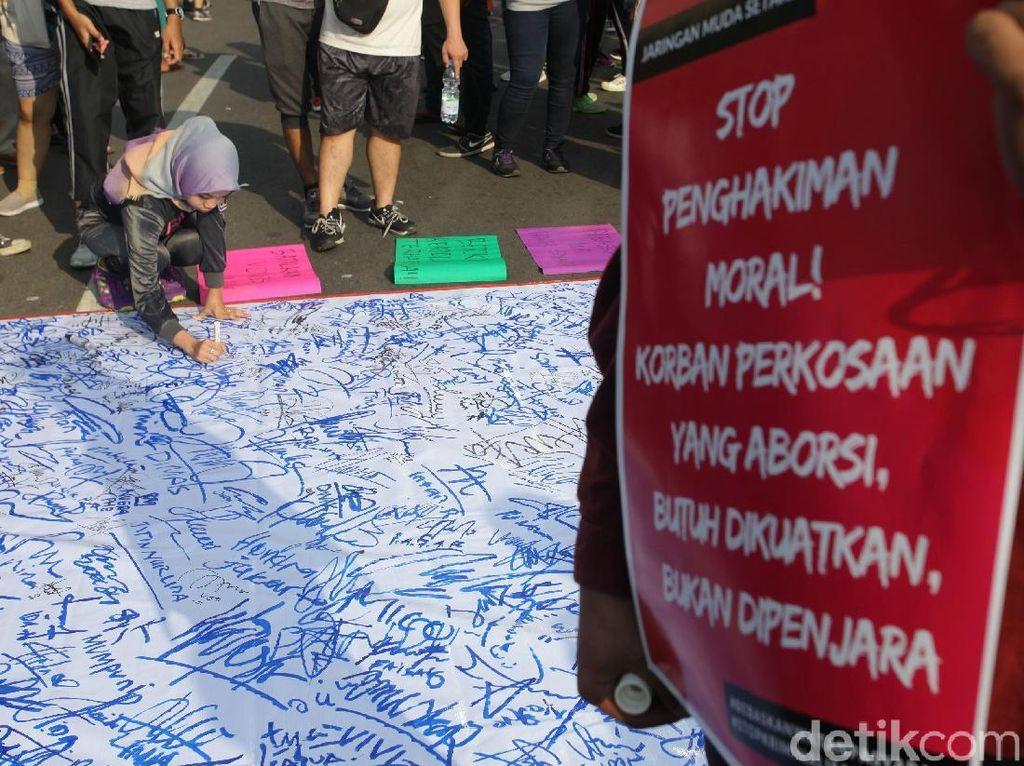 Jaringan Muda Setara Gelar Aksi Solidaritas untuk Korban Pemerkosaan