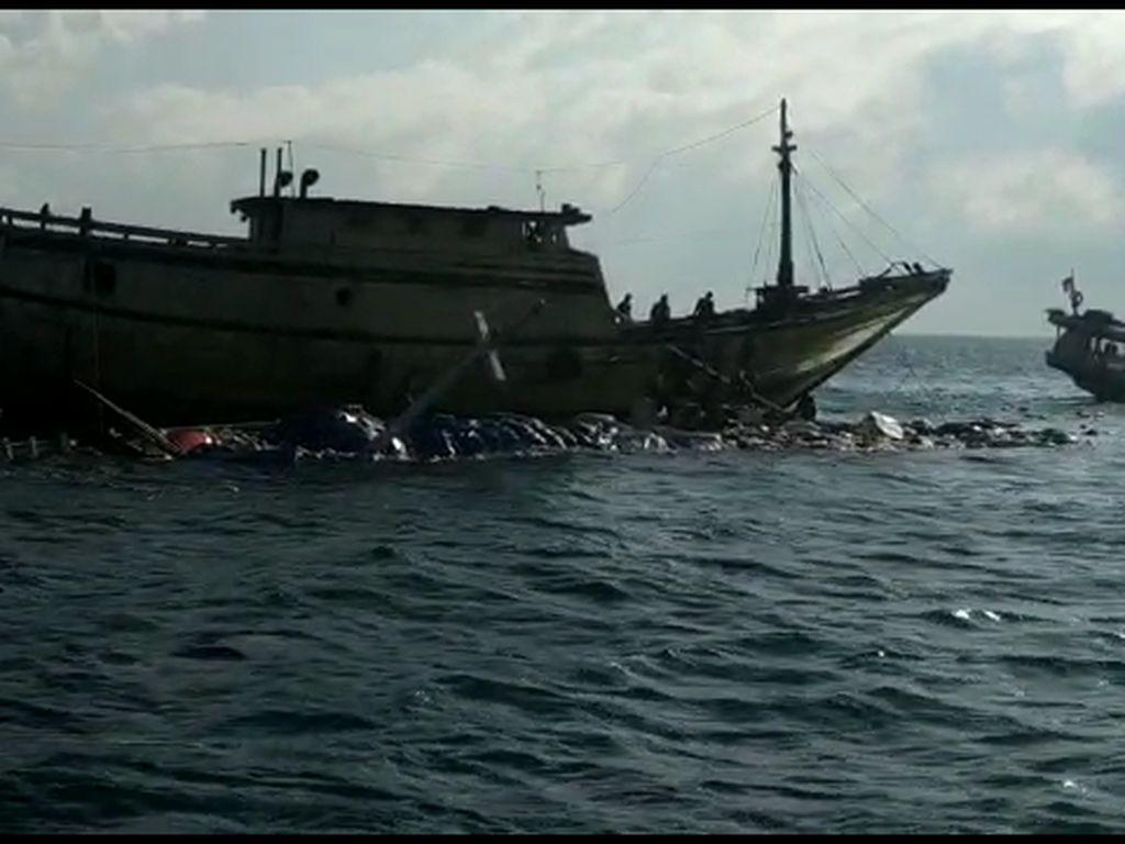 Kemudi Rusak, Kapal Sembako Tenggelam di Teluk Bone