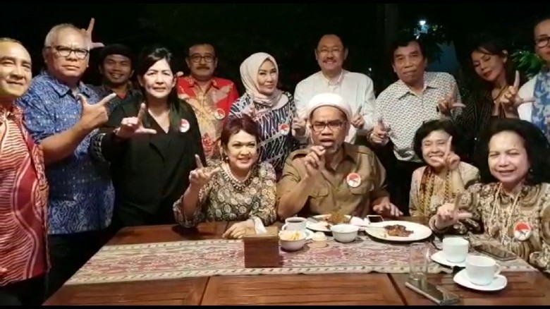 Ngabalin dan Pro-Jokowi Serukan Lanjutkan-Lawan-Libas, Ini Maksudnya