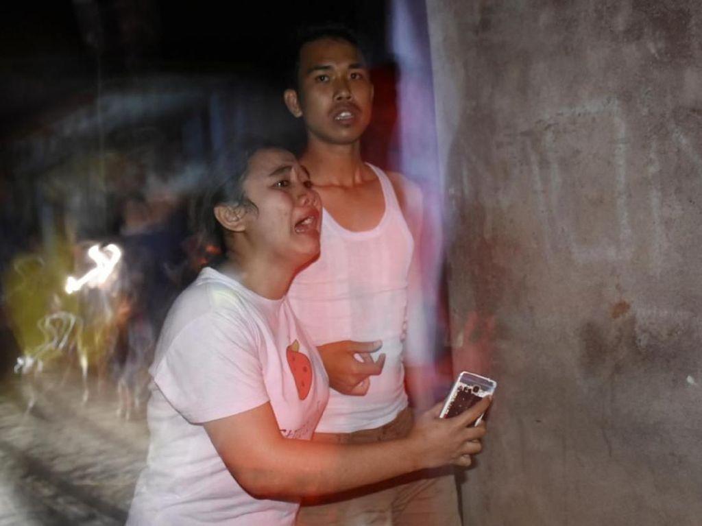 Foto: Kepanikan di Mataram NTB Saat Gempa 7 SR