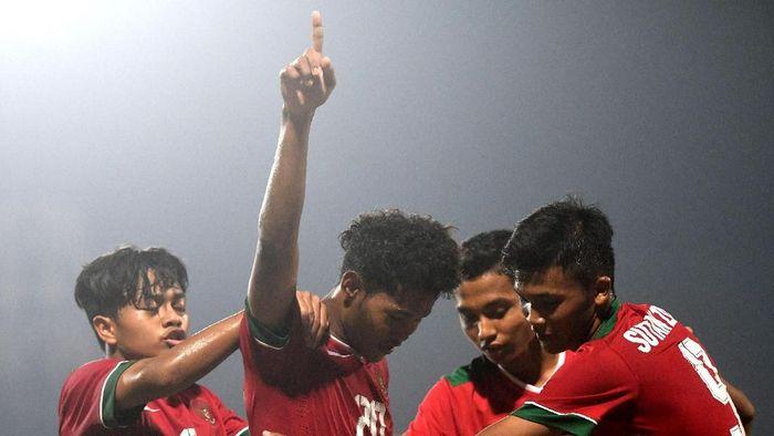 Indonesia masih berimbang 0-0 kontra Malaysia di babak I semifinal Piala AFF U-16 (Zabur Karuru/ANTARA FOTO)