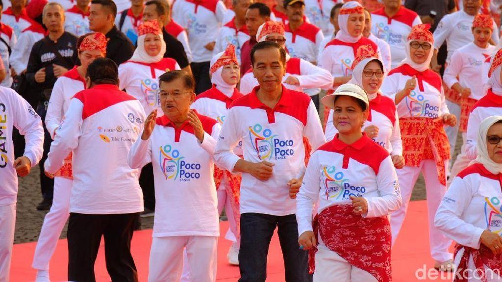 Potret Asyiknya Jokowi-JK Saat Senam Poco-poco di Monas