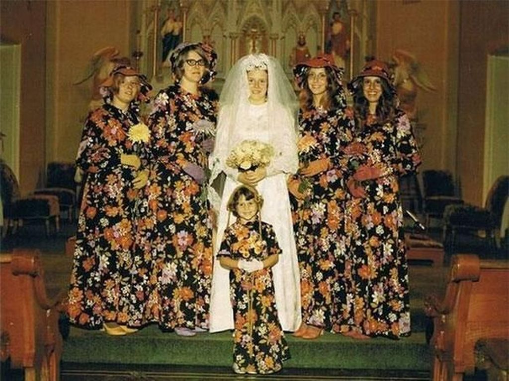 Kostum Para Bridesmaid di Era Jadul, Mirip Gorden sampai Sinterklas