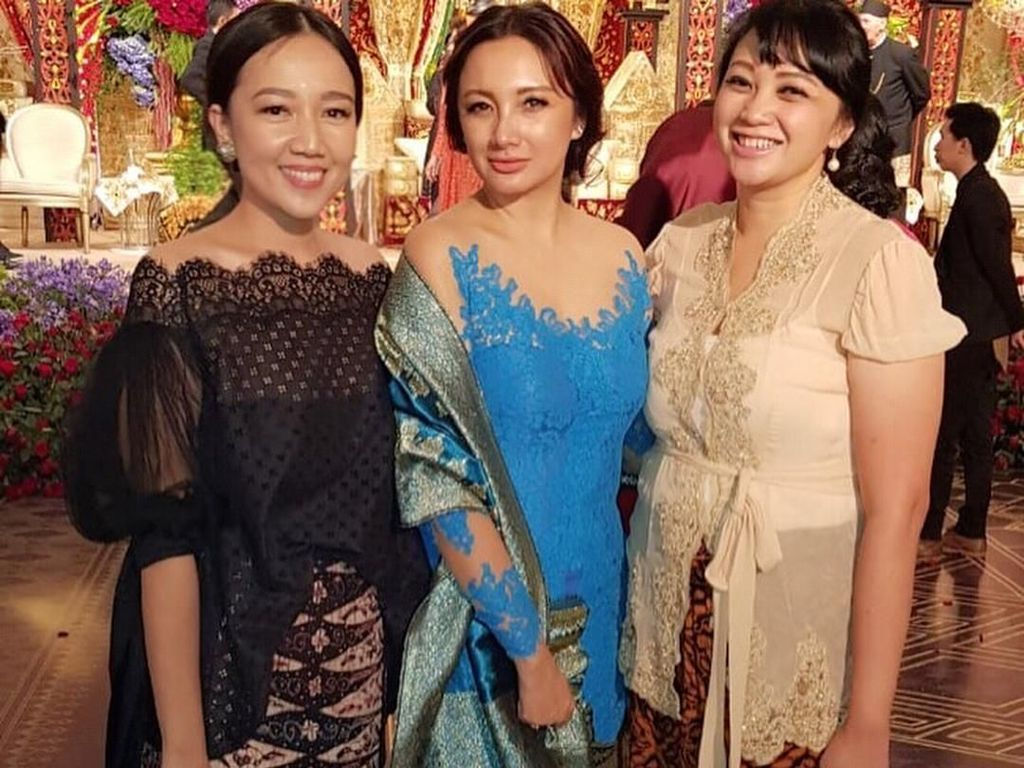 Gaya Tata, Eks Tommy Soeharto Curi Perhatian di Pernikahan Panji Trihatmodjo