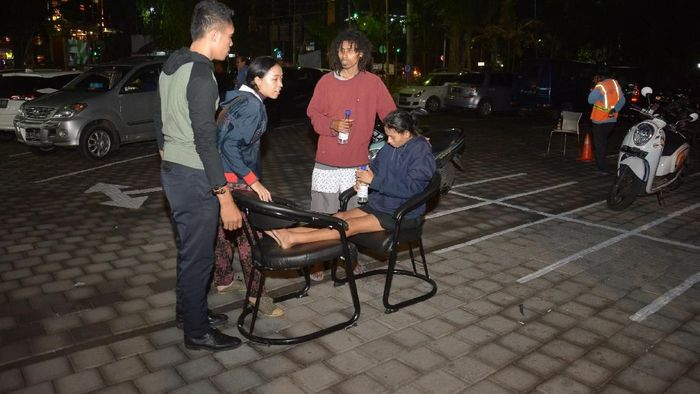 PLN Mengembalikan Listrik di Lombok Utara Pasca Gempa dengan Bantuan