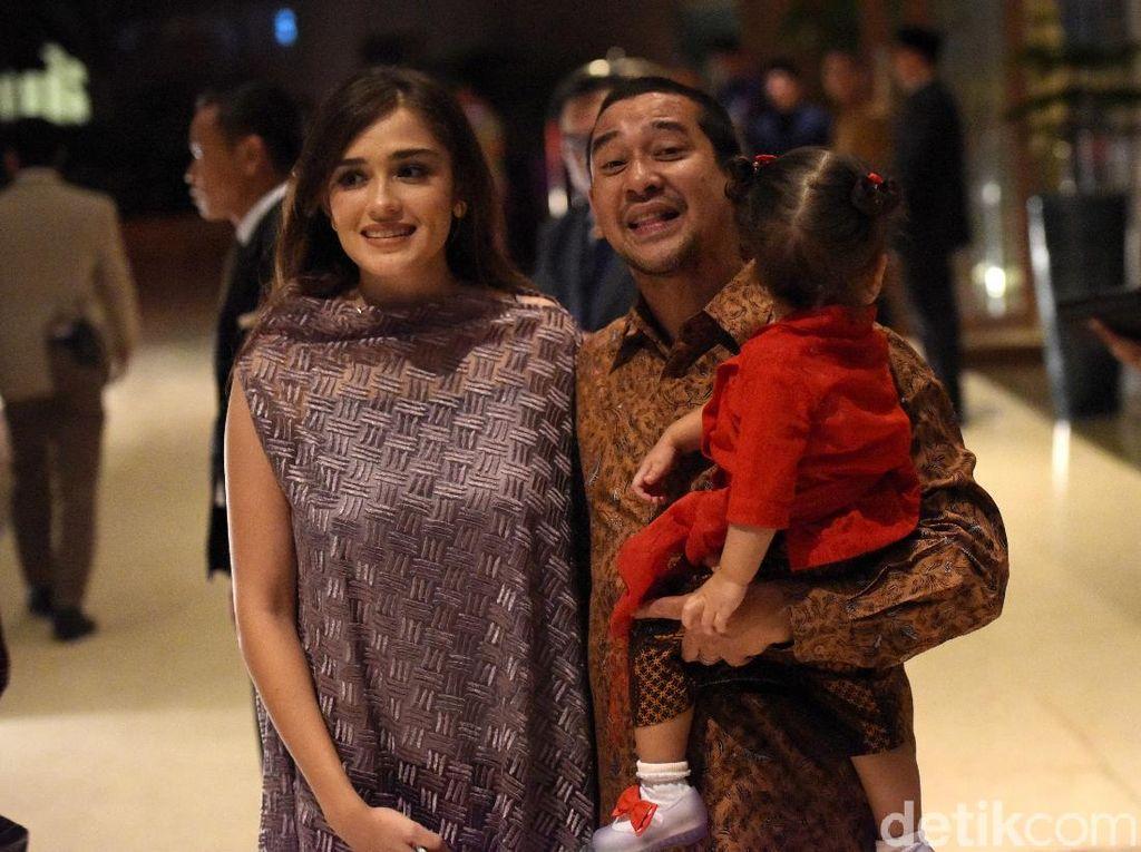 Abi dan Yasmine Wildblood di Pernikahan Panji Trihatmodjo