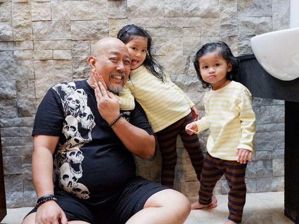 Perjuangan Indro Warkop Dampingi Istri Lawan Kanker