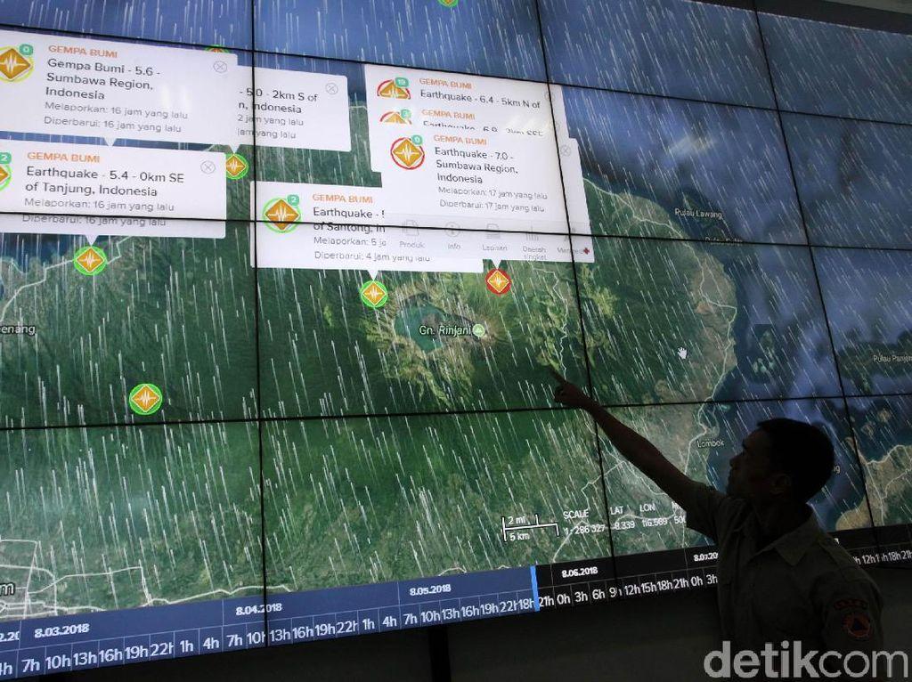 BNPB Pantau Gempa Lombok Lewat Layar Raksasa