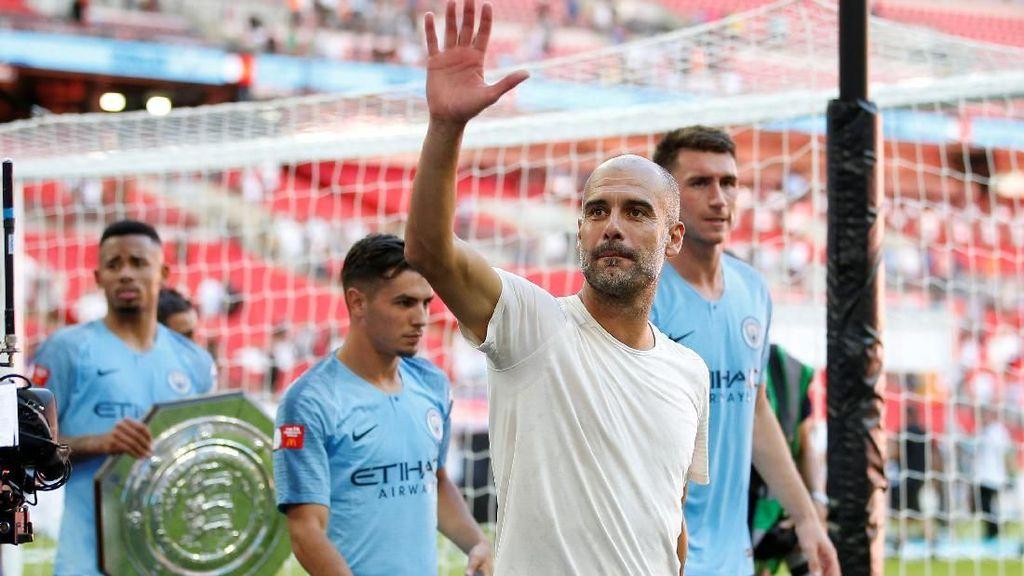Pep Guardiola Sudah 3 Trofi di Manchester City Tahun Ini