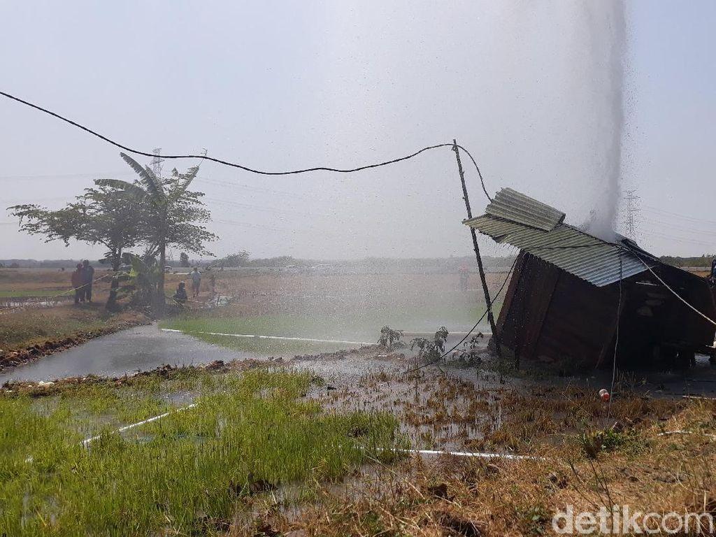 Semburan Air Campur Pasir di Ngawi Sebabkan Tanah Ambles