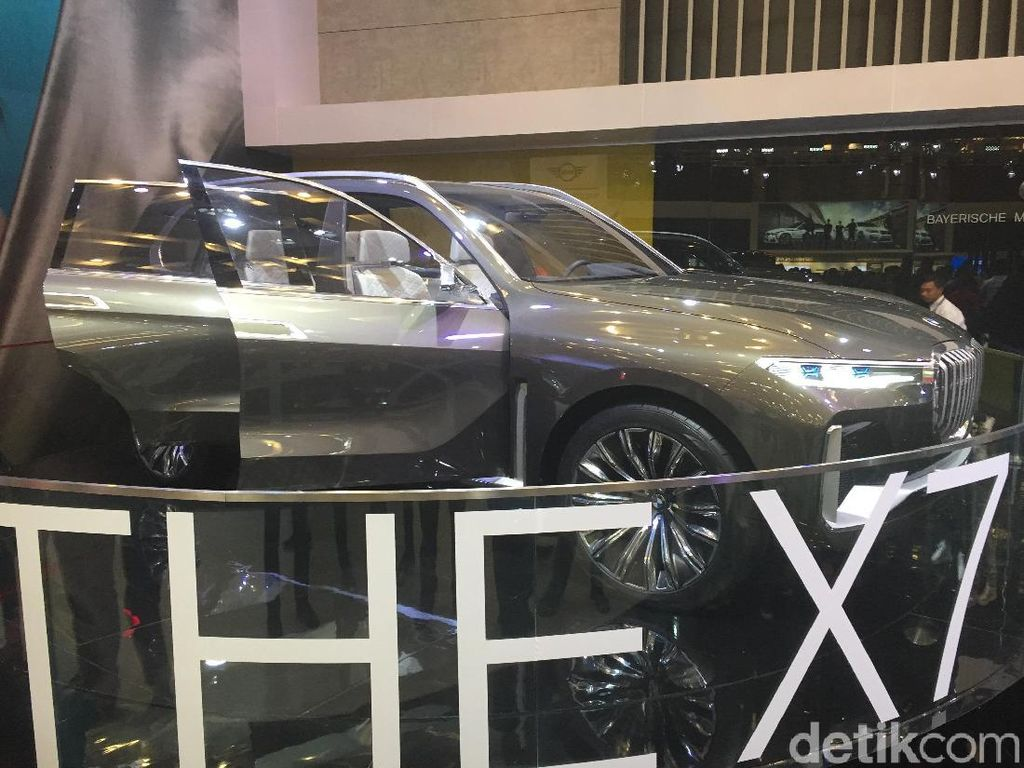 GIIAS 2018: SUV Termewah BMW