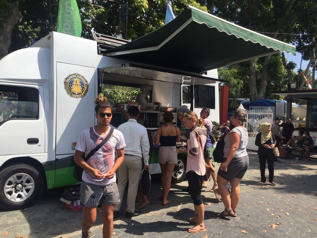 Ketika Food Truck Selamatkan Wisatawan di Lombok