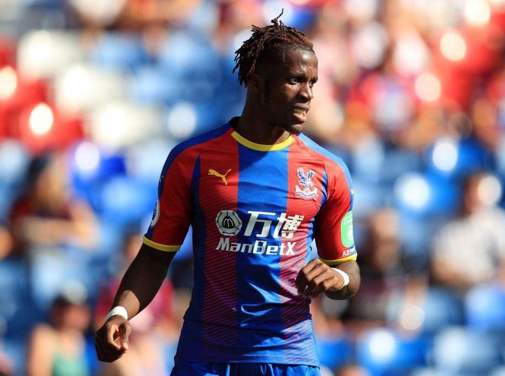 Rumor Transfer: Wilfried Zaha Buka Jalan Menuju Chelsea