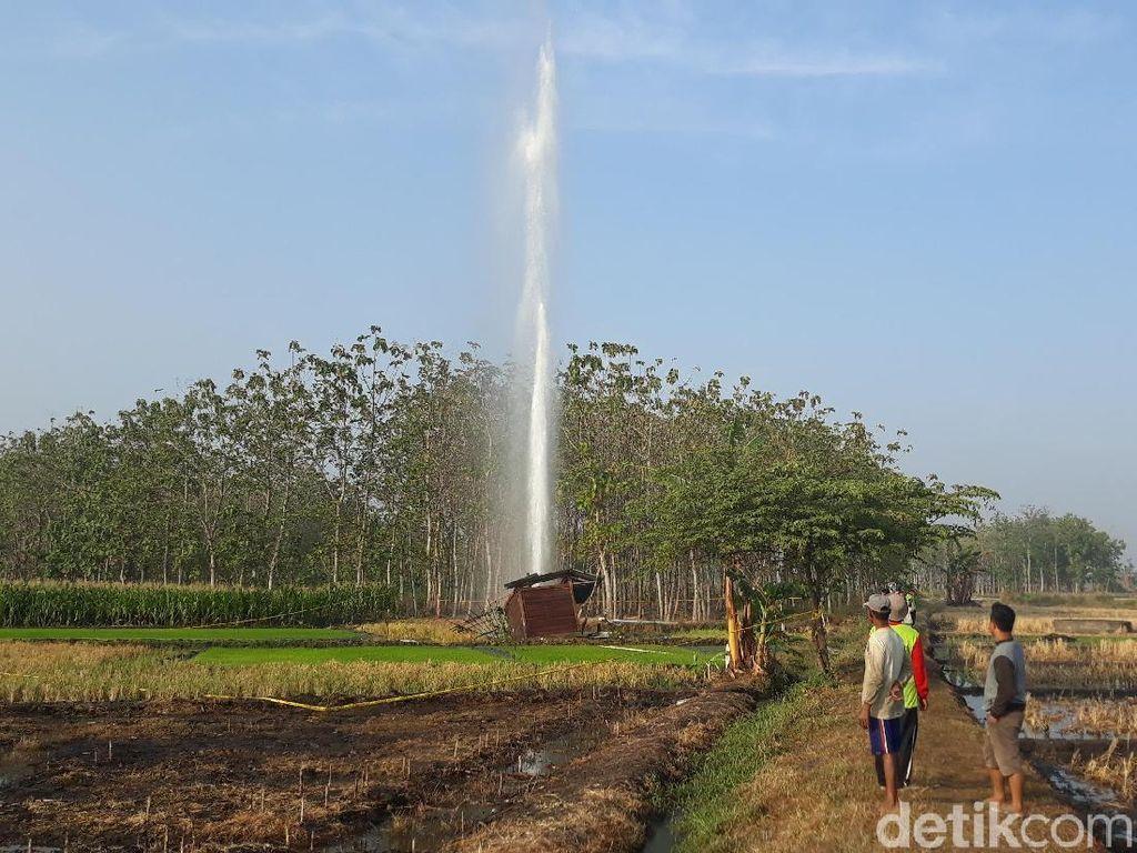 Menyembur di Hari Sama, Berapa Jarak Semburan Air dan Gas di Ngawi?