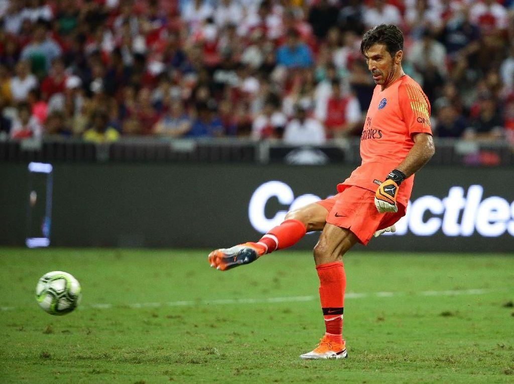 Transfer Buffon Sama Pentingnya dengan Neymar