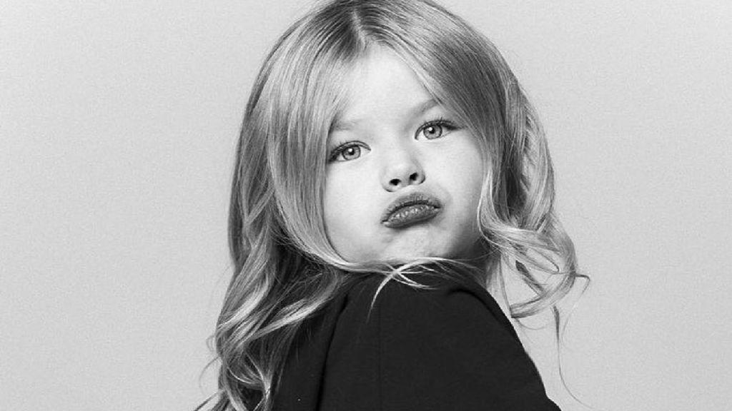 Gadis Cilik Asal Rusia Berwajah Mungil Ini Mirip Boneka Deh