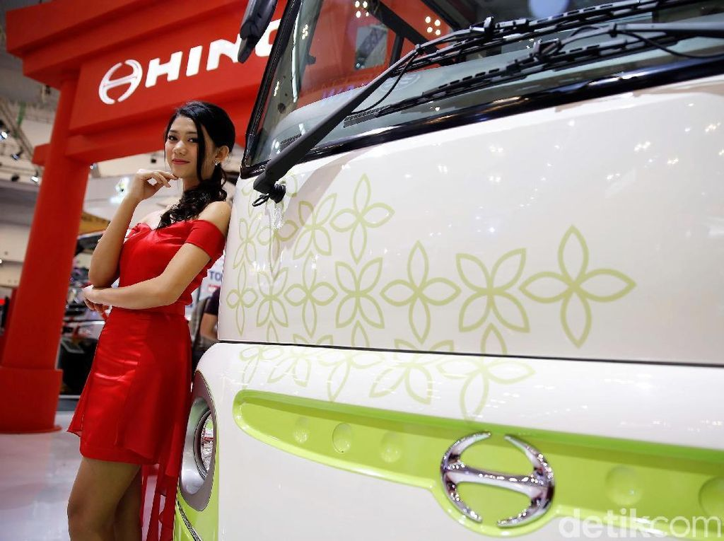 Hino Kenalkan Bus Masa Depan Poncho Electric Vehicle