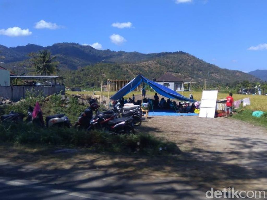 Foto: Menanti Bantuan, Begini Kondisi Korban Gempa di Lombok Utara