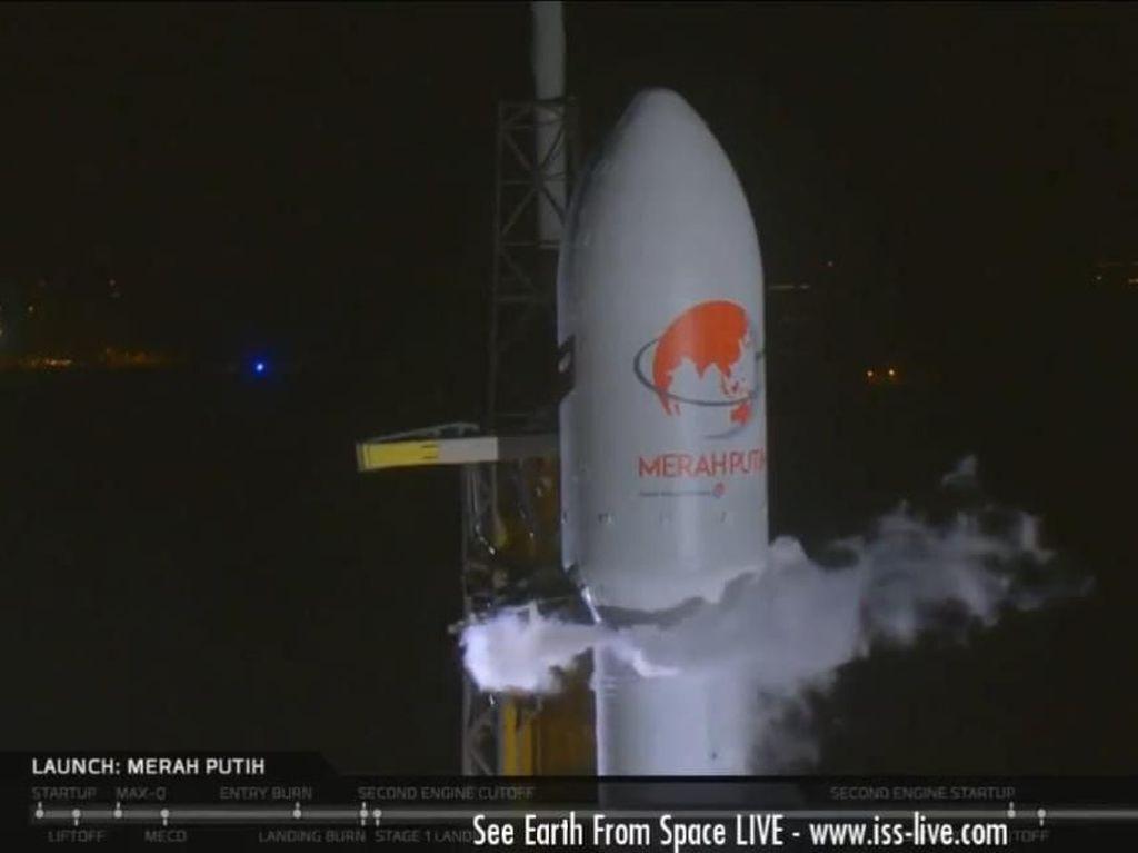 Satelit Merah Putih, Kado Telkom untuk Indonesia