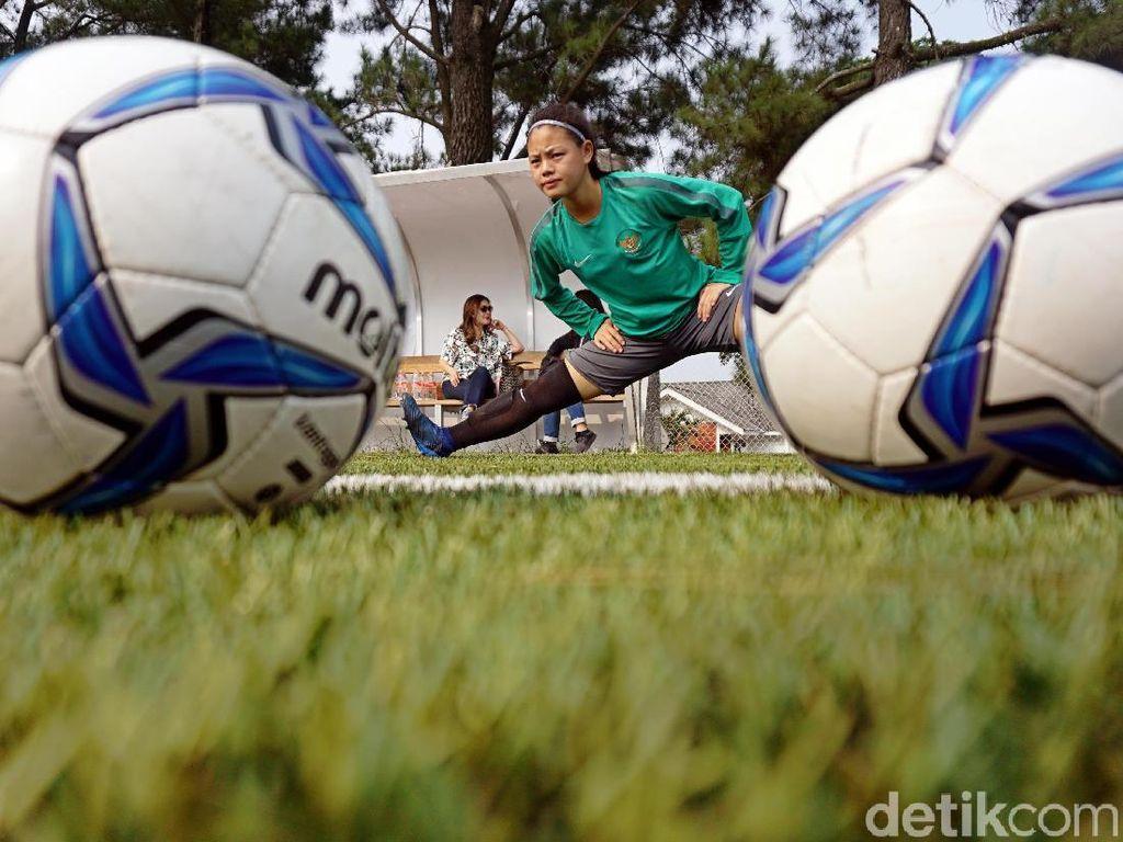 Gara-Gara Piala Dunia 2006, Dhanielle Daphne Jadi Pemain Bola