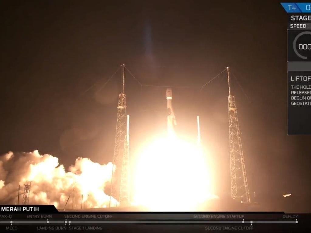 Detik-detik Satelit Merah Putih Melesat ke Angkasa