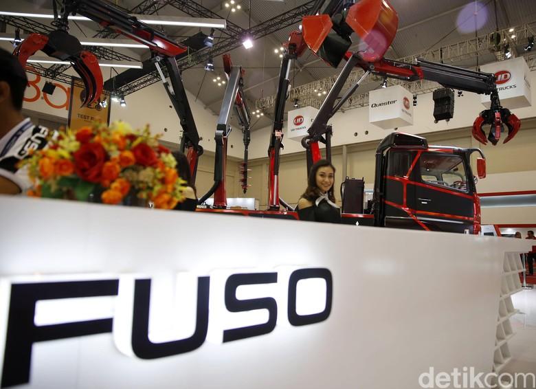 Mitsubishi Fuso Sumbang Truk Untuk Aksi Cepat Tanggap