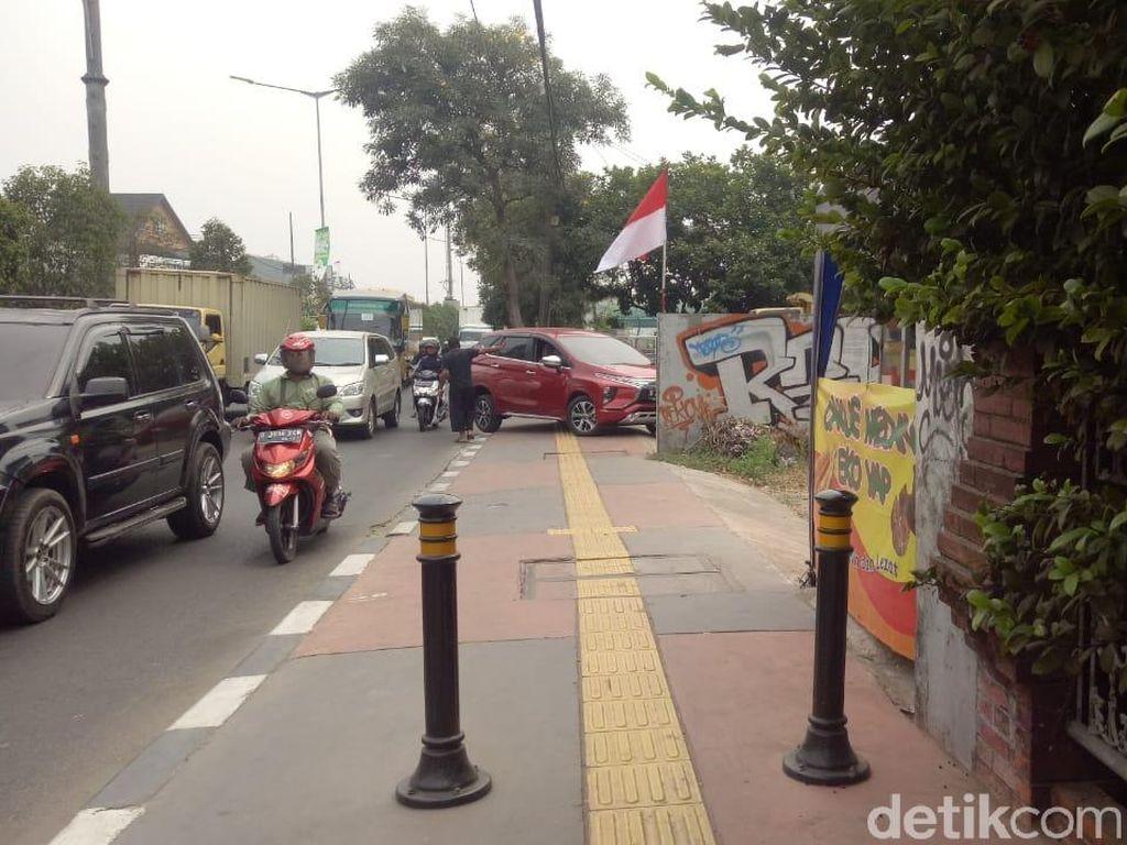 Menengok Lokasi Pejalan Kaki Dipukul Pemotor yang Lewat Trotoar