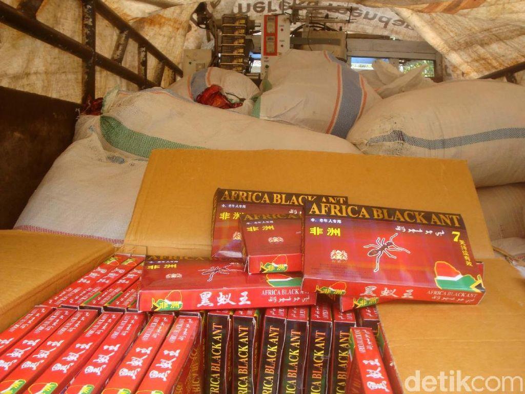 Ribuan Sachet Jamu Berbahaya Diamankan dari Produsen di Cilacap