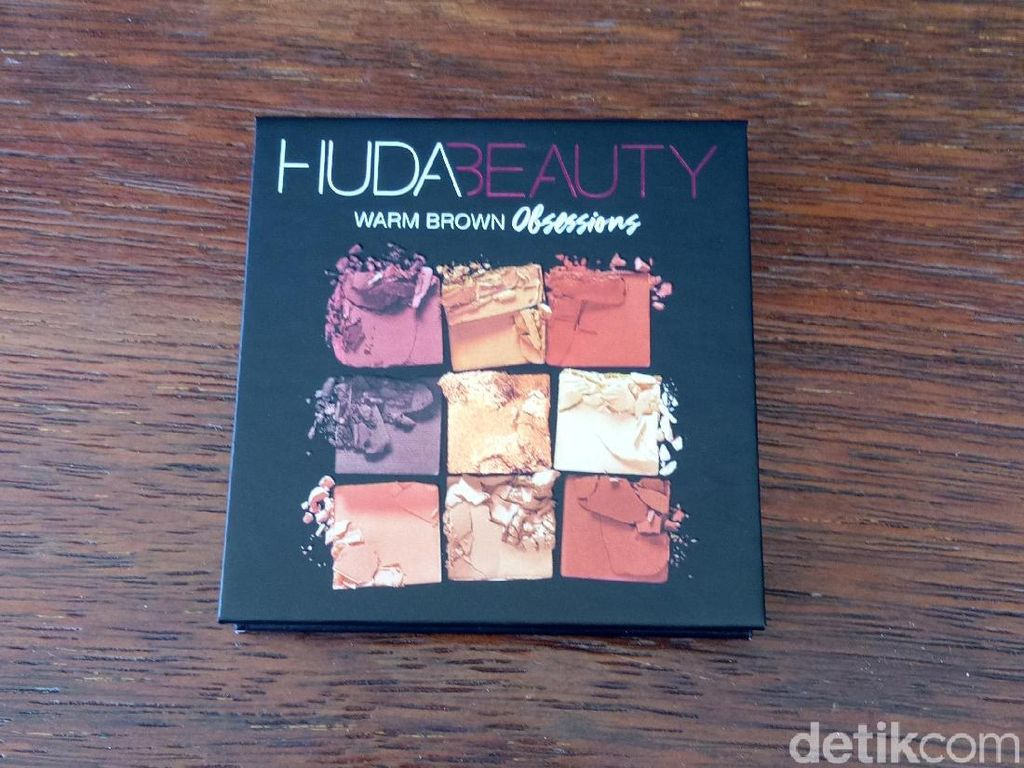 Review: Eyeshadow Huda Beauty Warm Brown Obsessions