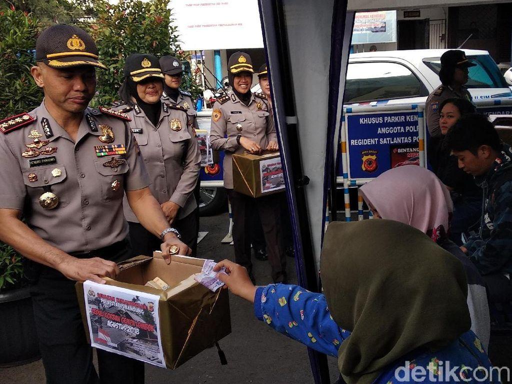 Polisi Bandung Galang Dana Bantu Korban Gempa Lombok
