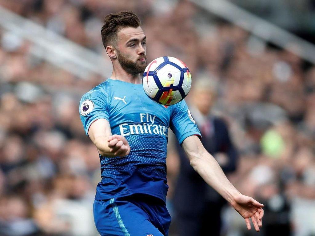 Arsenal Pinjamkan Calum Chambers ke Fulham