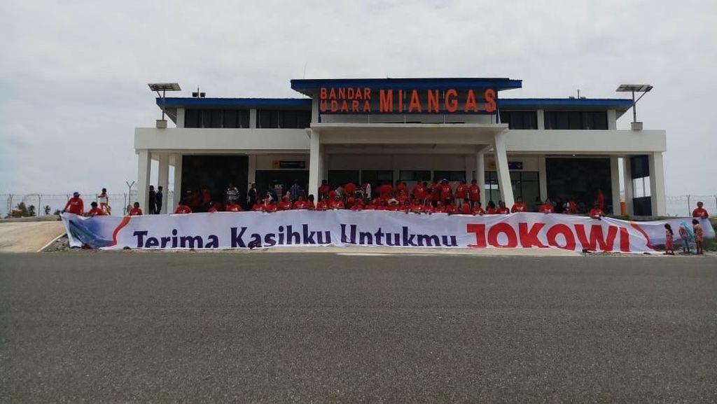 Foto: Deklarasi Dukungan ke Jokowi di Sabang-Merauke-Miangas-Rote