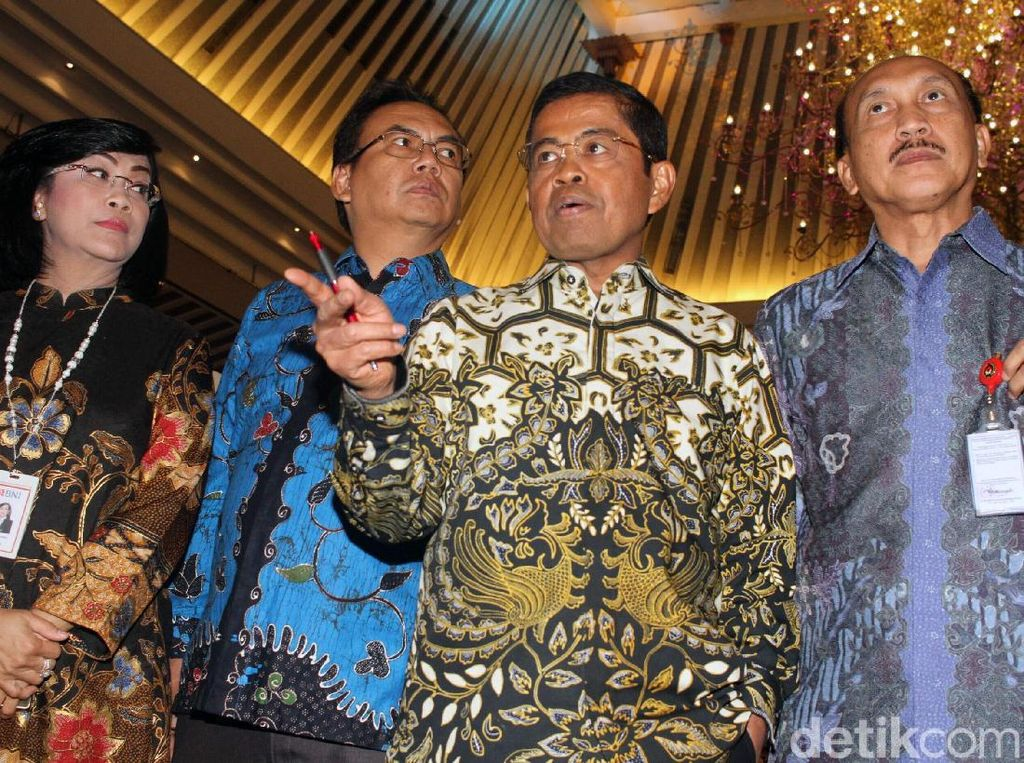 Idrus Marham Puji MenPAN-RB Syafruddin Sangat Disiplin