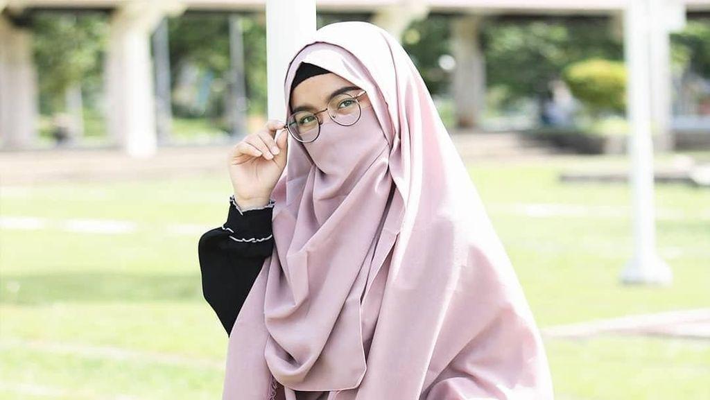 Hafiz Muda Taqy Malik Jadi Atensi, Hijabers Bercadar Ini Dikira Istrinya