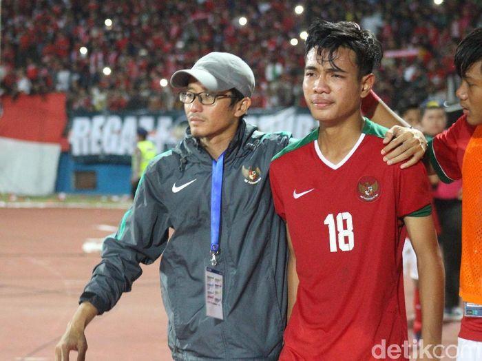 Brylian Negiehta Dwiki Aldama seusai Indonesia mengalahkan Malaysia di semifinal Piala AFF U-16 2018. (Foto: Suparno/detikcom)