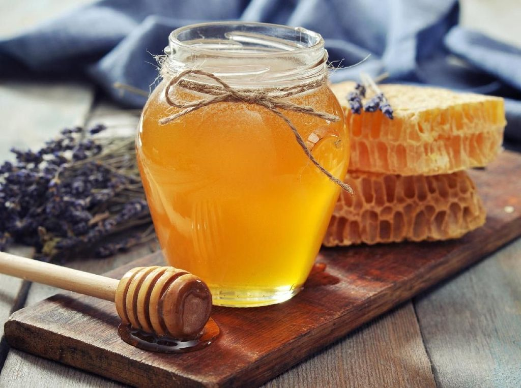 Minum Madu di Pagi Hari dan Rasakan 7 Manfaat Sehat Ini