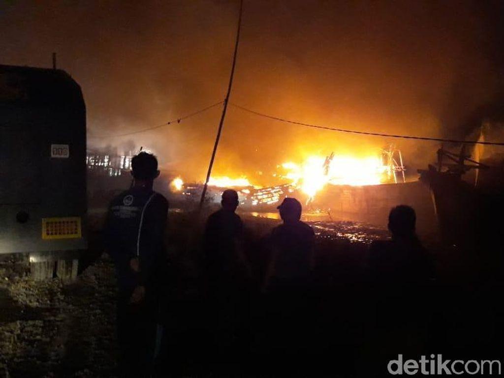 5 Kapal Motor Terbakar di Pelabuhan Juwana Pati