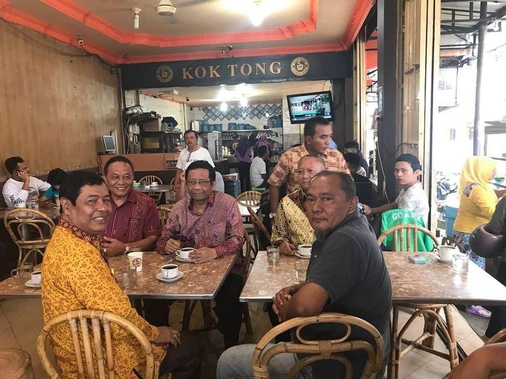 Sarapan di Hong Kong, hingga Ngopi di New York Begini Gaya Kulineran Mahfud MD