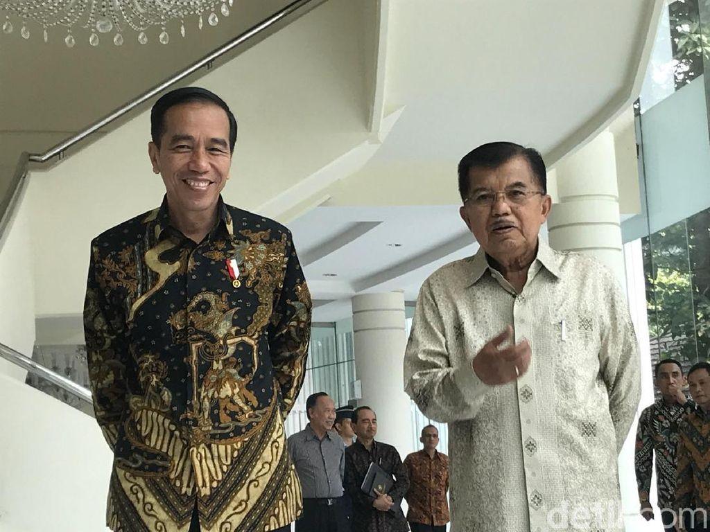 Senyum Jokowi Usai Bahas Pilpres dengan JK