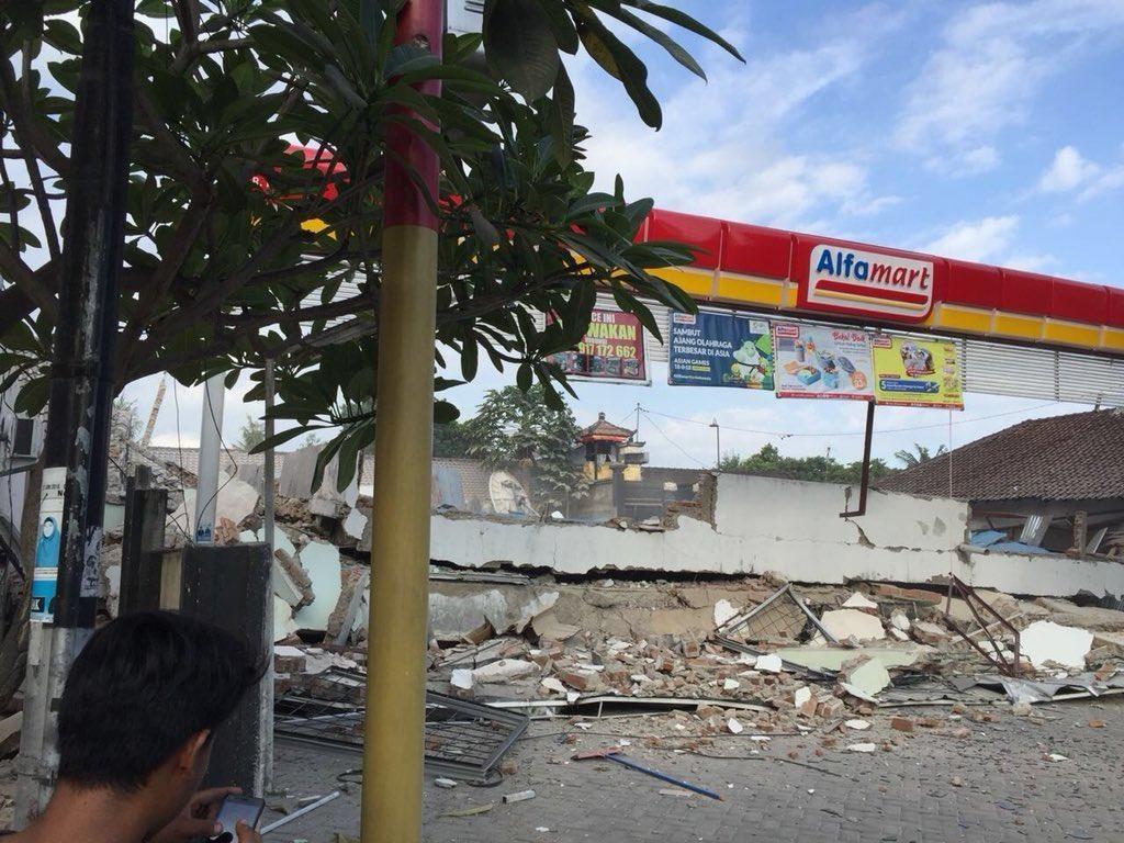 Minimarket Ambruk saat Gempa NTB, Alfamart Pastikan Tak Ada Korban