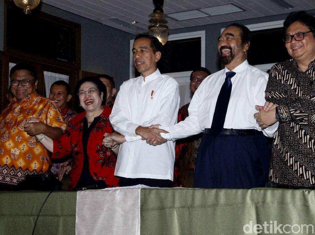 Momen Jokowi Deklarasikan Cawapres Maruf Amin