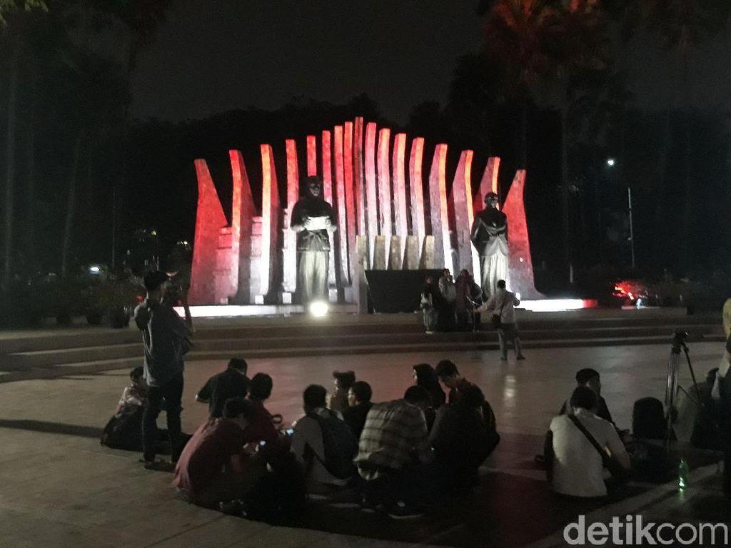 Relawan Projo Tinggalkan Tugu Proklamasi Usai Jokowi Umumkan Cawapres