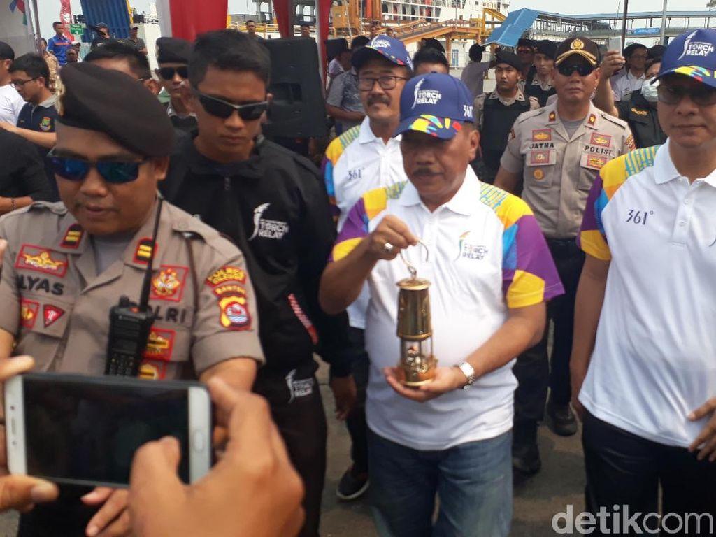Lintasi Selat Sunda, Obor Asian Games Tiba di Pelabuhan Merak
