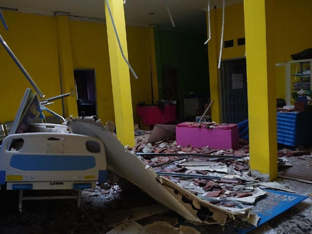 Potret Puskesmas yang Hancur Akibat Gempa Lombok